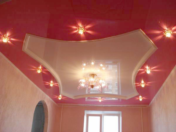 Стоит ли делать натяжной потолок