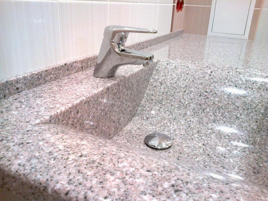 Столешница из акрилового камня: преимущества искусственного материала