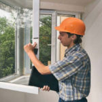 Многоступенчатый процесс установки стеклопакетов