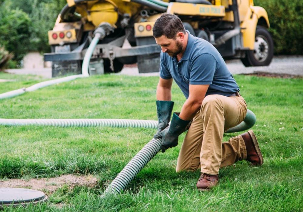 Как решить проблему замерзания зимой канализации?